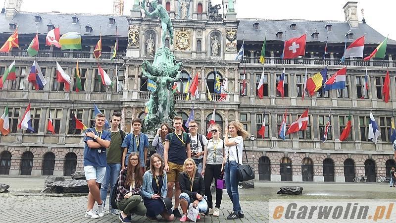 Archiwum Ciekawostki, Laureaci konkursu wiedzy Europejskiej zwiedzili Brukselę - zdjęcie, fotografia