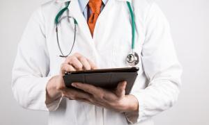 Archiwum Aktualności, Obchód tabletem szybszy dostęp danych usługi szpitalu Garwolinie - zdjęcie, fotografia