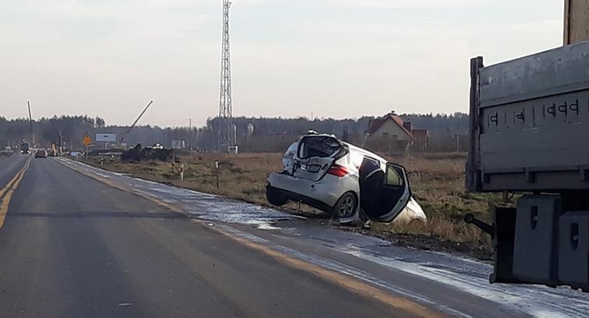 Wypadki drogowe , Zderzenia ciężarówek osobówkami - zdjęcie, fotografia