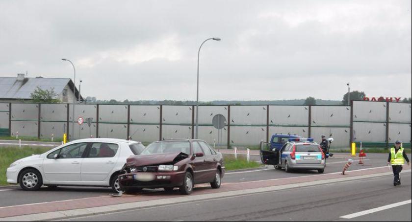 Wypadki drogowe , Śmiertelny wypadek kolizje pijani kierowcy Policyjny bilans świąt - zdjęcie, fotografia